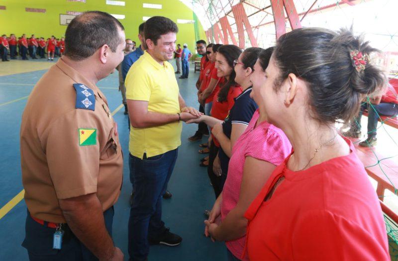 Esta foi a primeira visita do governador ao colégio (Foto: Marcos Vicentti/Secom)